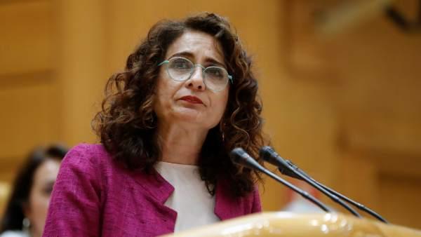La ministra de Hacienda, María Jesús Montero, este lunes en el Senado.
