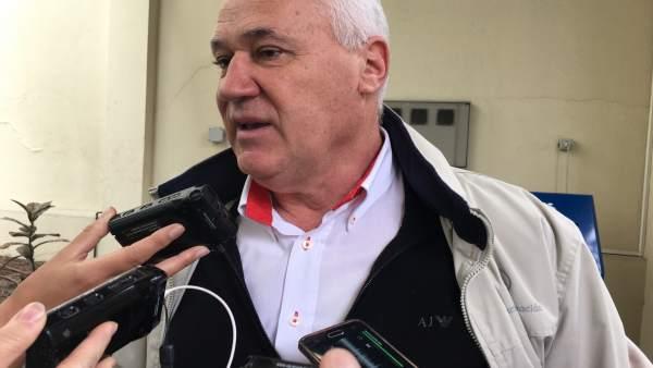 El alcalde de Becerreá, Manuel Martínez, en declaraciones a los medios