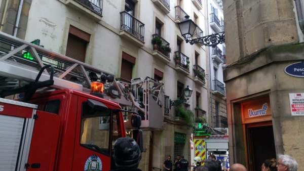 Incendio en la calle Narrika.