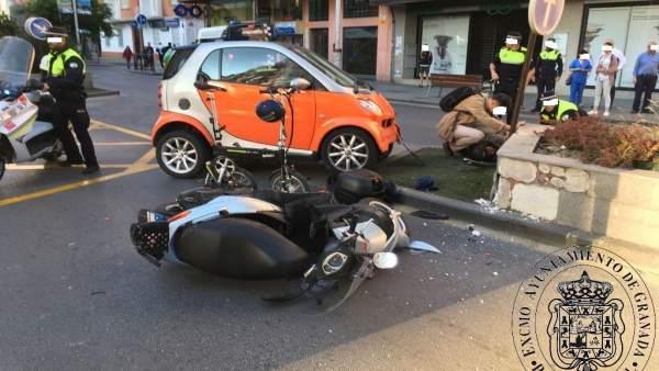 Accidente de tráfico entre un turismo y una motocicleta