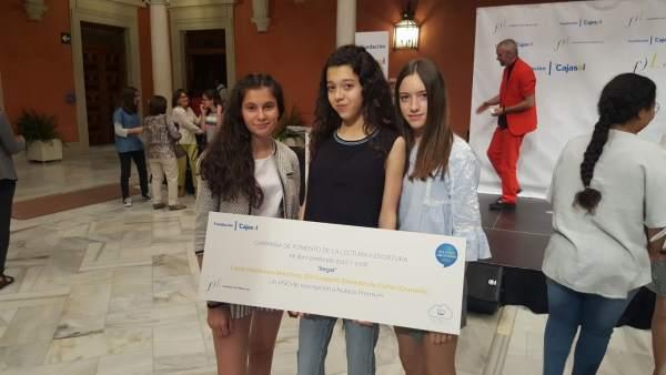 La alumna Lucía Valdivieso gana el concurso 'Mi libro favorito'