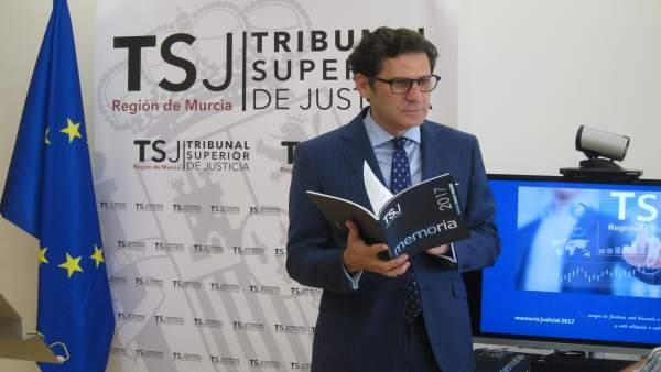 El presidente del TSJRM, Miguel Pascual del Riquelme