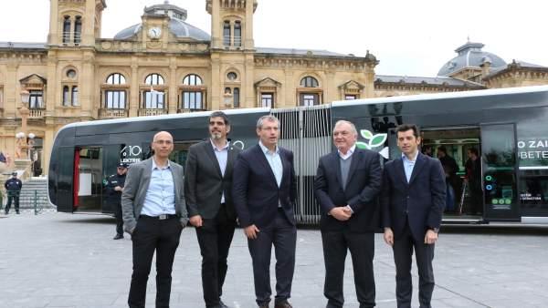 Presentación autobús eléctrico San Sebastián