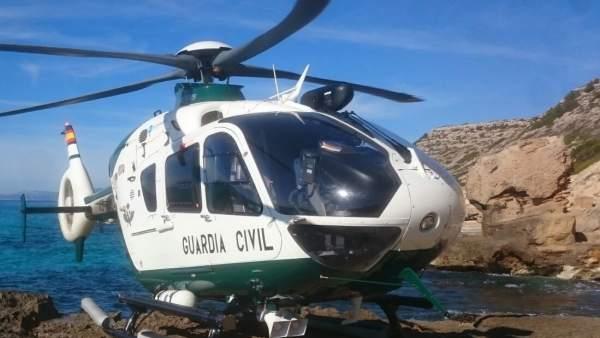 El helicóptero de la Guardia Civil en un rescate.