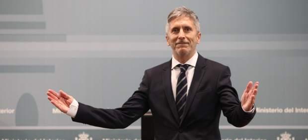 El ministro del Interior, Fernando Grande-Marlaska, recibe la cartera