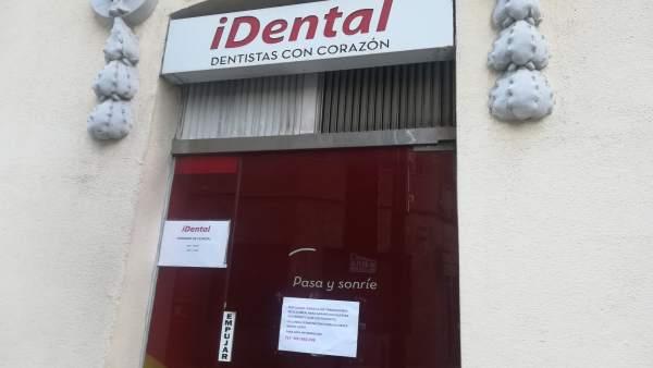 El Col·legi d'Odontòlegs denuncia l'abandó de 20.000 pacients d'iDental València