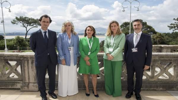Nueva Junta de ACEFAM con la presidenta , Paloma Fernández, en el centro
