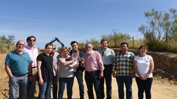 Rosario Cordero visita las obras de la carretera de Plasenzuela