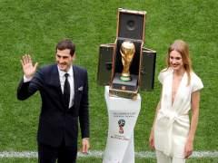 Casillas y Luis Suarez, indignados con el VAR en la final