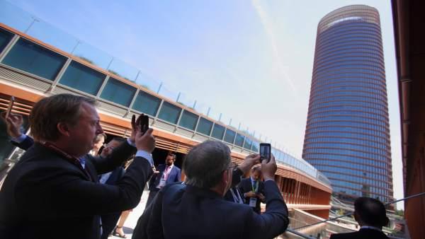 Centro comercial Torre Sevilla  presenta su oferta en el sector