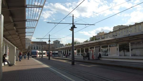 Imagen de archivo de una parada de tranvía en València
