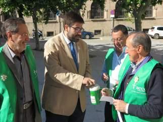 El Presidente De La Diputación Durante La Cuestación