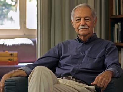El escritor Eduardo Mendoza.