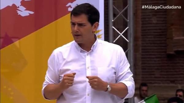Rivera plantea una ley electoral distinta para entrar en el Congreso