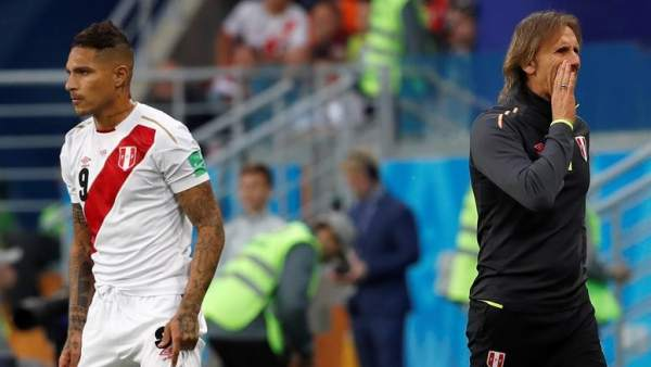 José Paolo Guerrero, junto a Ricardo Gareca, seleccionador peruano.
