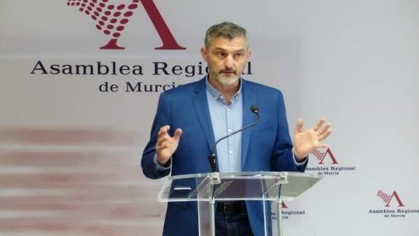 El secretario general de Podemos y portavoz en la Asamblea, Óscar Urralburu