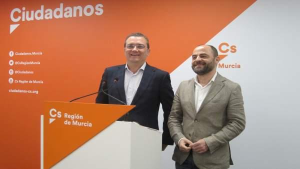 Miguel Garaulet y José Luis Martínez, en la rueda de prensa