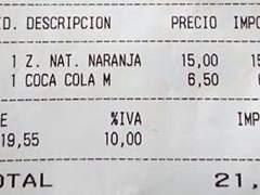 Llegan los primeros sablazos del verano: zumo de naranja natural, 15 euros