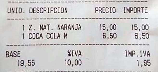 Factura de un zumo de naranja y una Coca-Cola, 21,50 euros.