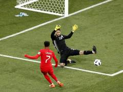 Kane rescata a Inglaterra con un gol en el descuento