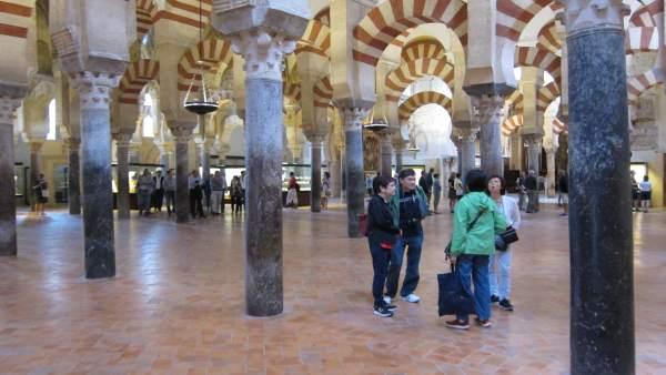 Turismo cabildo y ayuntamiento quieren reeditar el acuerdo para la visita nocturna a la mezquita - Visita mezquita cordoba nocturna ...
