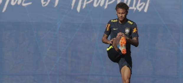 Susto en Brasil: Neymar se retira del entrenamiento