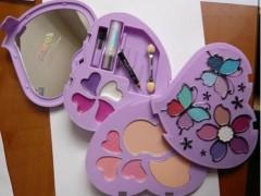 OCU alerta de la retirada de un set de maquillaje de Claire's con restos de amianto