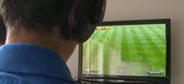 Álvaro, adicto a los videojuegos