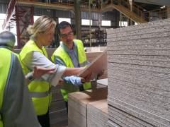 Marta Gastón visita las instalaciones de Finsa en Cella (Teruel)