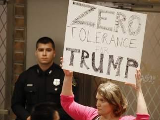 Protesta contra Trump por niños migrantes en la frontera