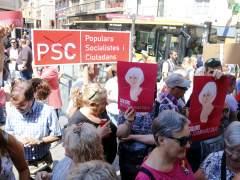El PSC retira la pancarta de apoyo a los presos soberanistas del balcón del Ayuntamiento de Badalona