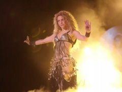 Shakira no lucirá más el símbolo utilizado por los nazis