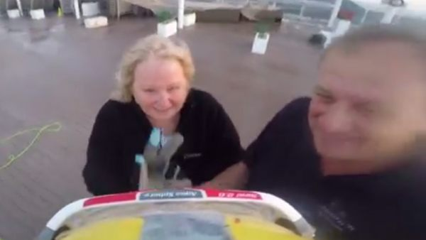 """""""Mírame y sonríe"""": emocionante rescate de un turista"""