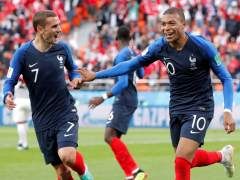 Un gol de Mbappé mete a Francia en octavos y elimina a Perú