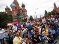 Aficionados colombianos piden perdón frente a la embajada de Japón por el vídeo ofensivo