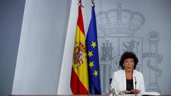 La portavoz del Gobierno y ministra de Educación, Isabel Celáa, en una imagen de archivo en la Moncloa.