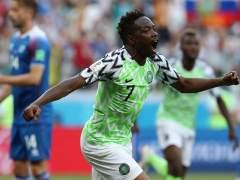 Nigeria derrota a Islandia y da oxígeno a Argentina