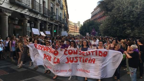 Valladolid.- Cabecera de la manifestación en Valladolid