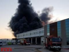 Incendio en una nave de la atunera Balfegó en L'Ametlla de Mar
