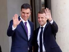 """Macron y Sánchez proponen centros de desembarco para inmigrantes en """"suelo europeo"""""""