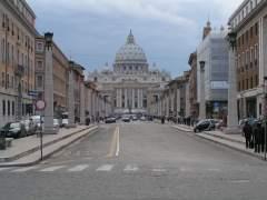 El Vaticano condena a 5 años de cárcel a un cura por pornografía infantil