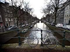 Moverse en bici y cobrar por ello, la nueva idea de Holanda para reducir el uso de los coches