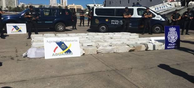 1.850 Kilos De Cocaína Incautados En Aguas Cercanas