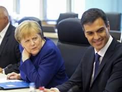 """Sánchez ve la propuesta de la UE para crear centros de desembarco """"un punto de partida"""""""