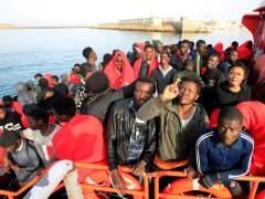 Casi mil personas rescatadas frente a costas españolas el fin de semana, 200 este domingo