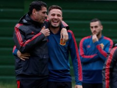 Hierro y Saúl escenifican su buena relación tras las polémicas declaraciones del jugador