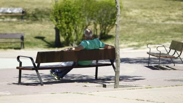 La pensió mitjana a la Comunitat és de 862 euros, un 1,8% més que fa un any