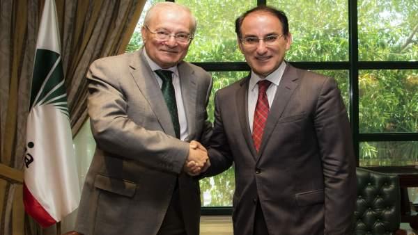 Manuel Azuaga Y Javier González De Lara Acuerdo Unicaja Banco Cem