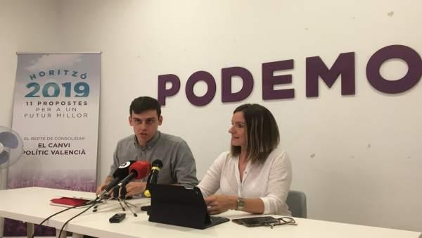 Ferran Martínez y Àngela Ballester en rueda de prensa