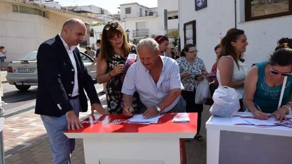 Conejo (PSOE) presenta campaña 'X3 en Igualdad' en Álora